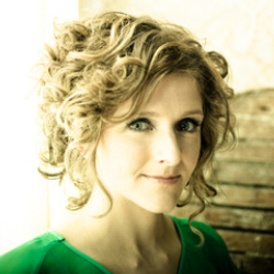 Author Abigail Washburn