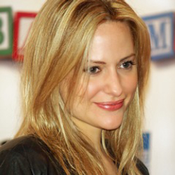 Author Aimee Mullins