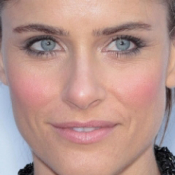 Author Amanda Peet