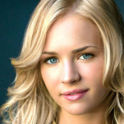 Author Britt Robertson