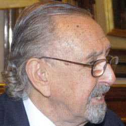 Author Cesar Pelli