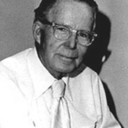 Author Chester Gould