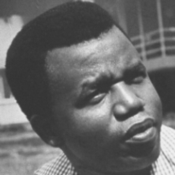 Author Chinua Achebe