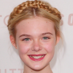 Author Elle Fanning