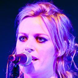 Author Gin Wigmore