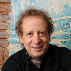 Author Howard Bloom
