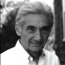 Author Howard Zinn