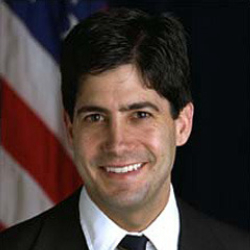 Author Kevin Warsh