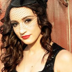 Author Lindi Ortega