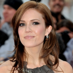 Author Mandy Moore