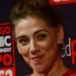 Author Neve McIntosh