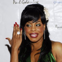 Author Niecy Nash