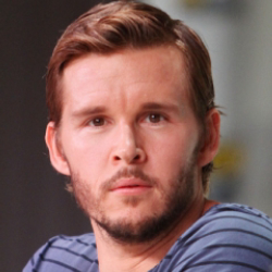 Author Ryan Kwanten