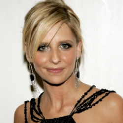 Author Sarah Michelle Gellar