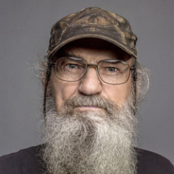 Author Si Robertson