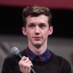Author Troye Sivan