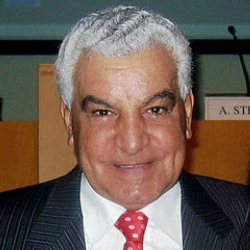 Author Zahi Hawass