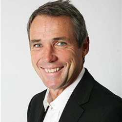Author Alan Hansen