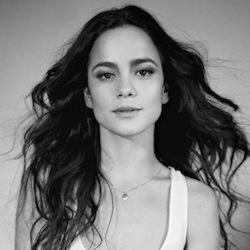 Author Alice Braga