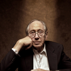 Author Alvin Toffler