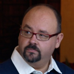 Author Carlos Ruiz Zafon