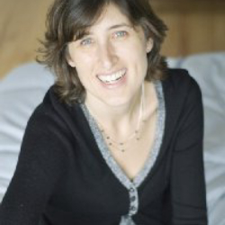 Author Carolyn Mackler