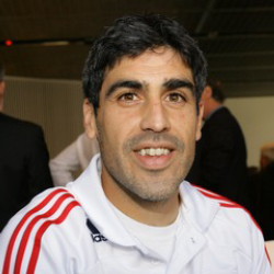 Author Claudio Reyna