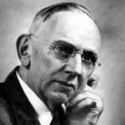 Author Edgar Cayce