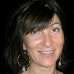 Author Eve Best