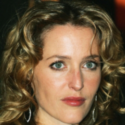 Author Gillian Anderson