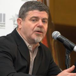 Author Gustavo Santaolalla