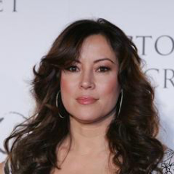 Author Jennifer Tilly