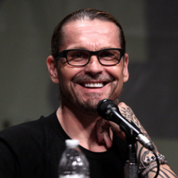 Author Kurt Sutter
