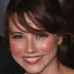 Author Linda Cardellini