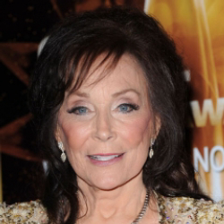Author Loretta Lynn