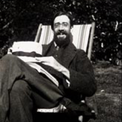 Author Lytton Strachey