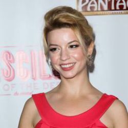 Author Masiela Lusha