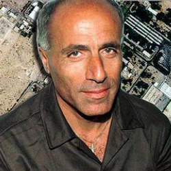 Author Mordechai Vanunu