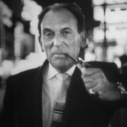 Author Moss Hart
