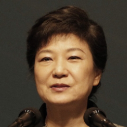 Author Park Geun-hye