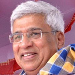 Author Prakash Karat