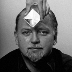 Author Robert Anton Wilson