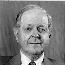 Author Robert Conquest