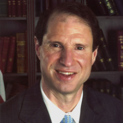 Author Ron Wyden