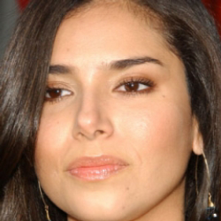 Author Roselyn Sanchez