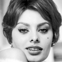 Author Sophia Loren