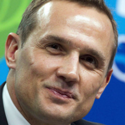 Author Steve Yzerman