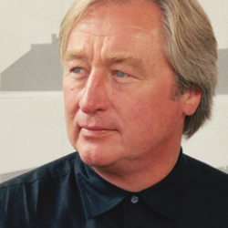 Author Steven Holl