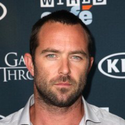 Author Sullivan Stapleton