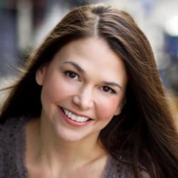 Author Sutton Foster